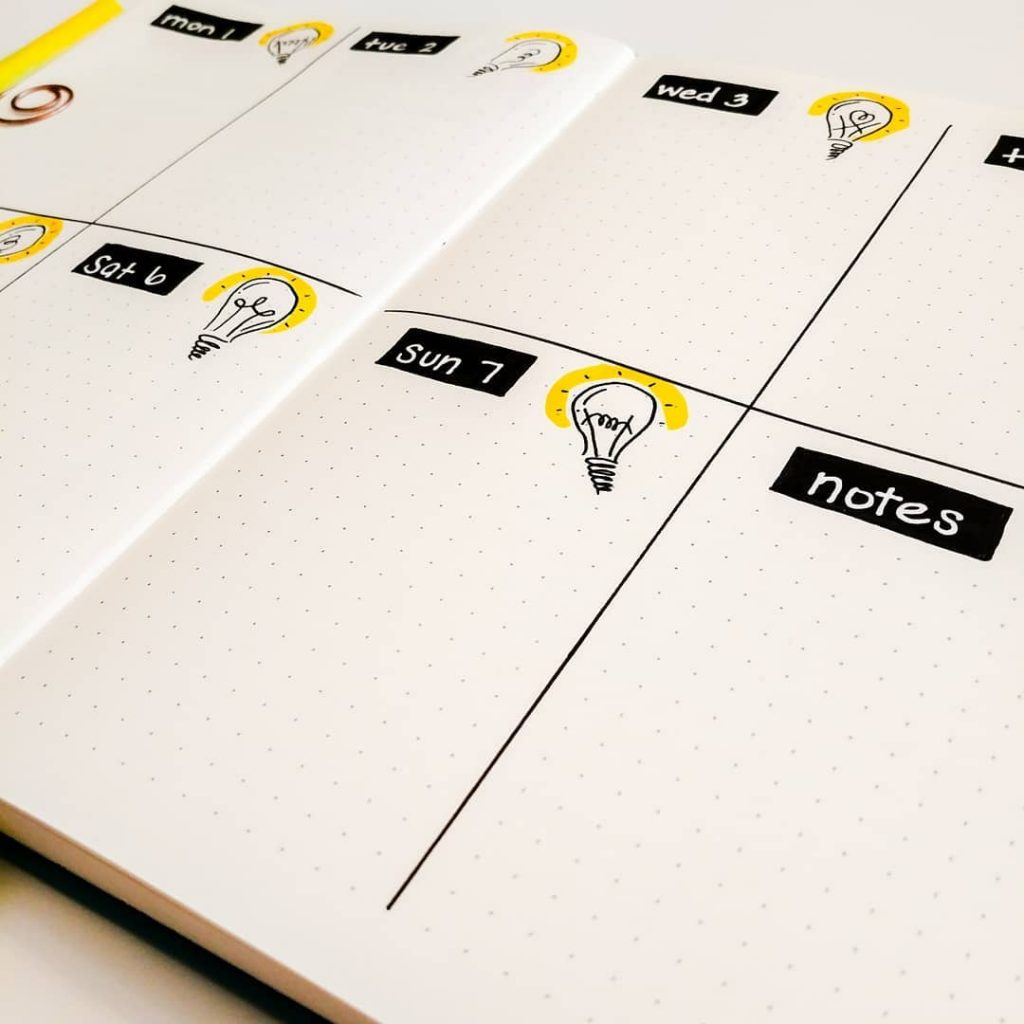 Bullet Journal Light Bulb Weekly Layout Theme 1