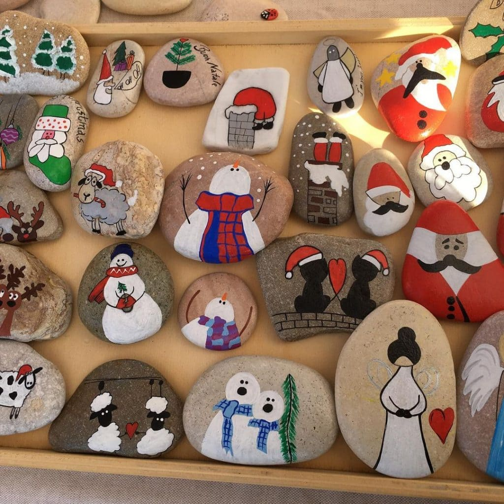 Rock Painting Ideas Christmas and Winters 6