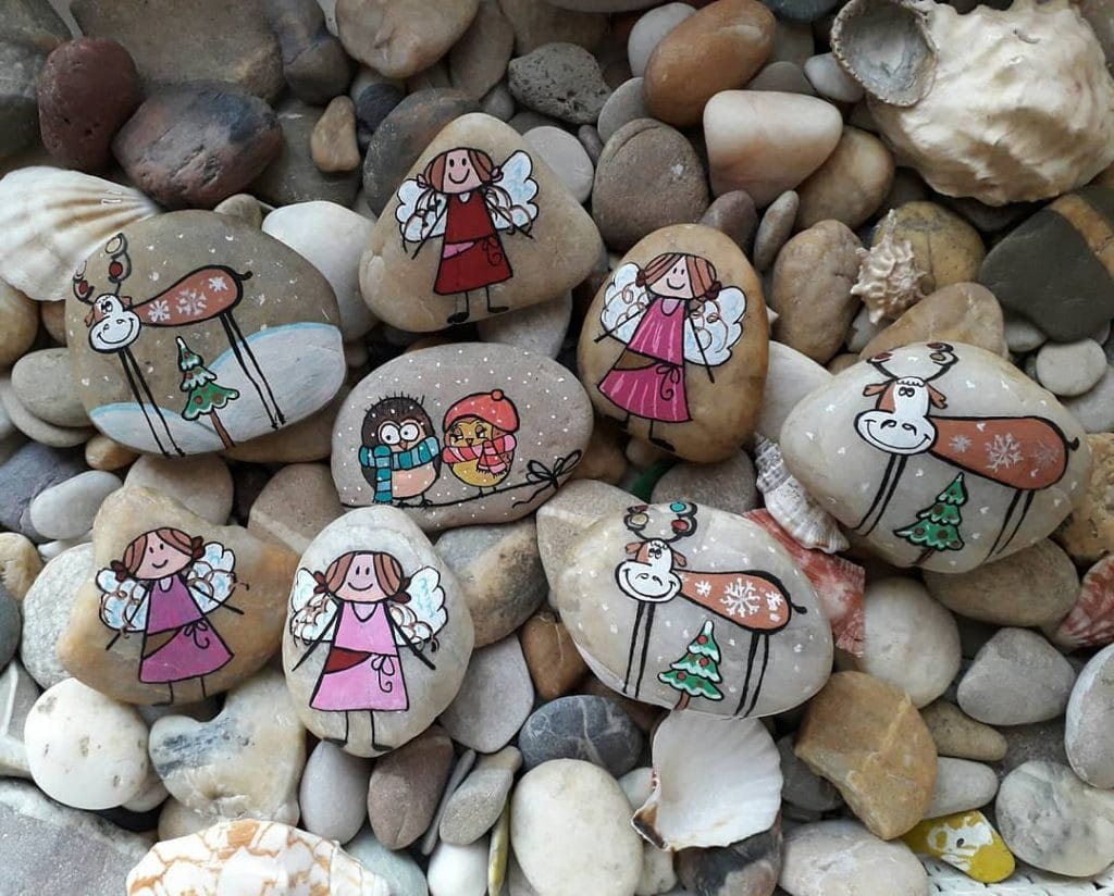 Rock Painting Ideas Christmas and Winters 7