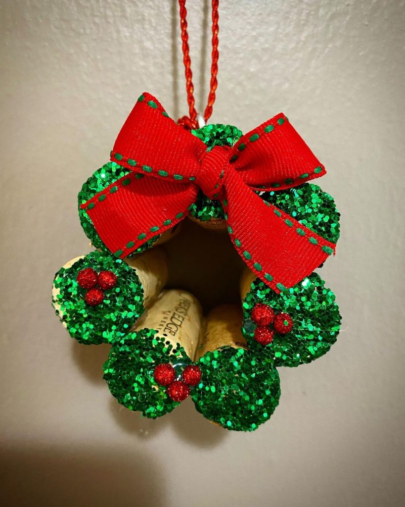 Wine Cork Crafts Christmas Decorations 7