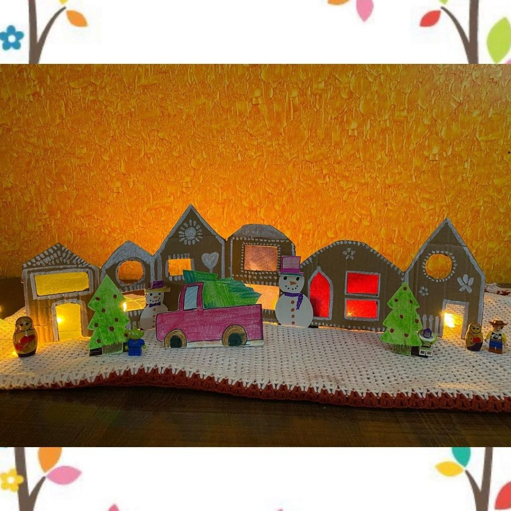 Cardboard Gingerbread House with lights 4