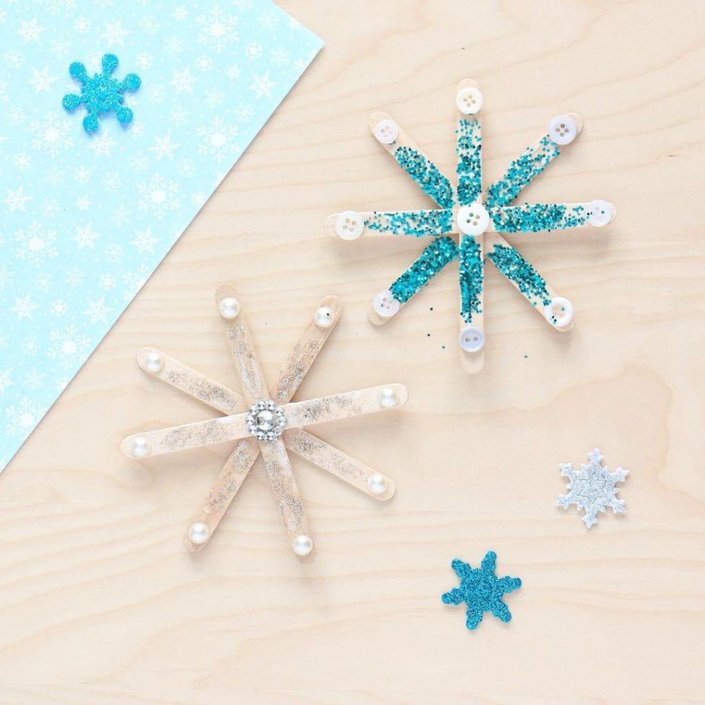 Snowflake Popsicle stick christmas crafts
